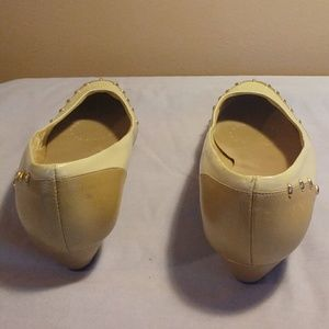 Selby Shoes - Selby 9.5 Tan Cream Leather Slip On Flats